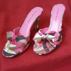 Bow details Mike style heels